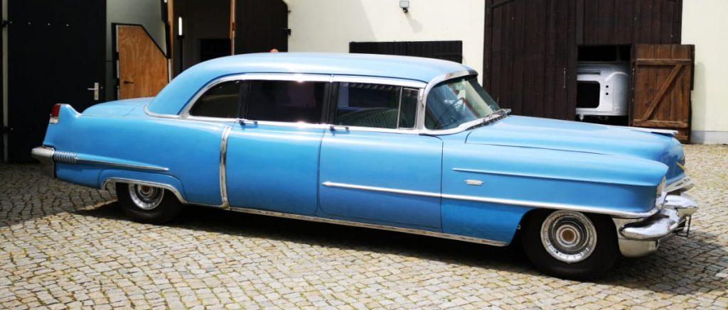 Cadillac Series 75 Fleetwood Imperial Sedan - 1
