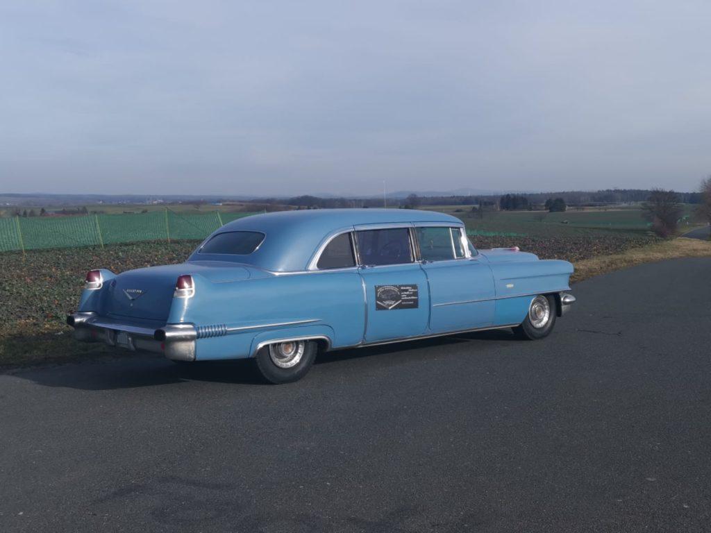 Cadillac Series 75 Fleetwood Imperial Sedan - 2