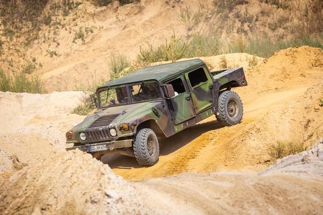 Hummer H1 - Gelände1