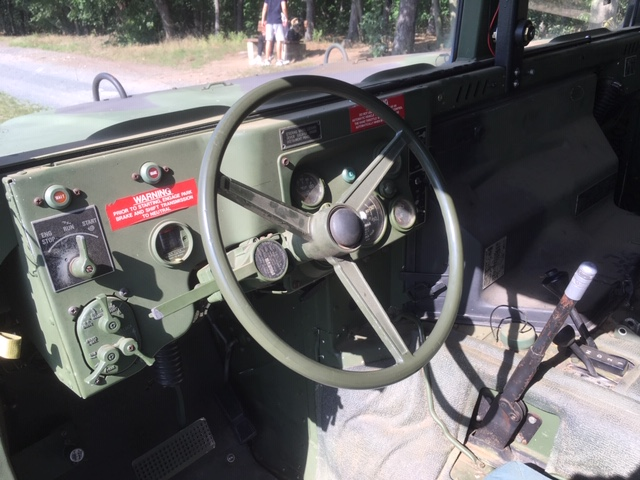 Hummer H1 - Innen1